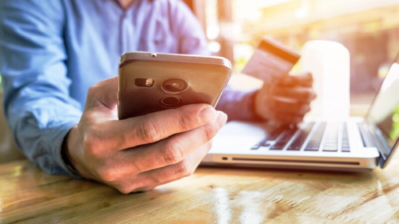 Как пользоваться кредитной картой УБРиР: условия и льготный период